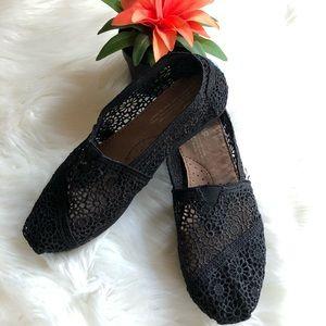 TOMS Classic Lace Crochet Slip-on 6